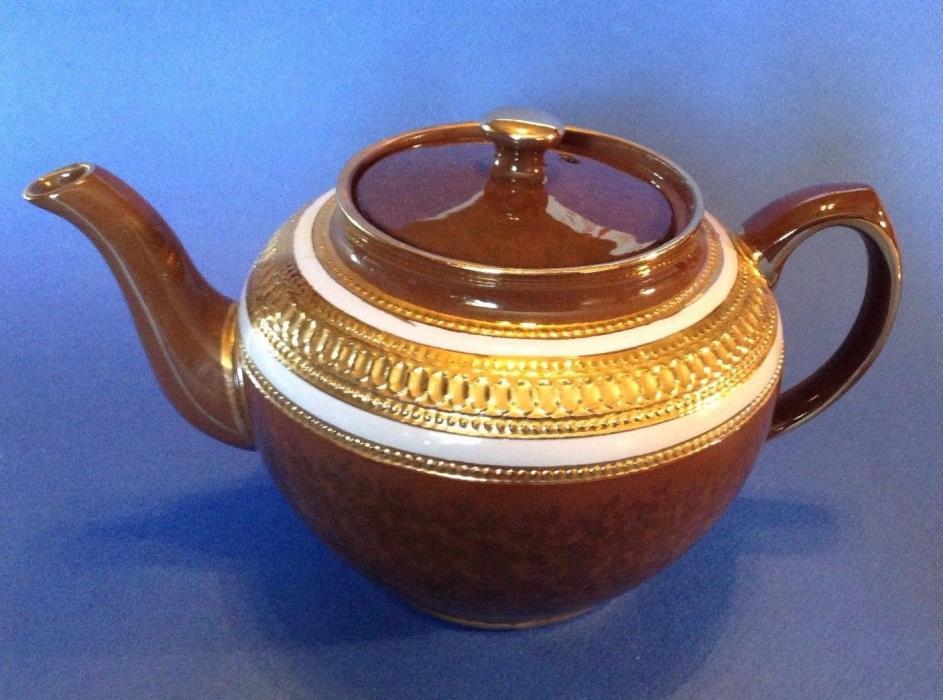 Sadler Teapot - Brown Tortoise Shell  With Brilliant Gold Beading - England