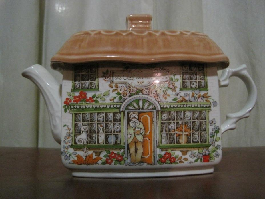 SADLER TEAPOT Ye Olde Tea Pot Inn House Shape Tea Pot Made In England Nice!