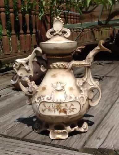 Old Paris Porcelain Rococo Teapot W/Gold & Goat Head Handle