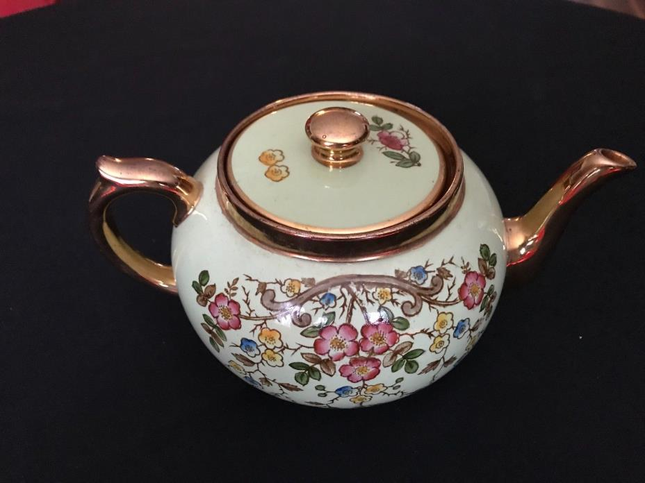 Gibsons 652 S Teapot Staffordshire