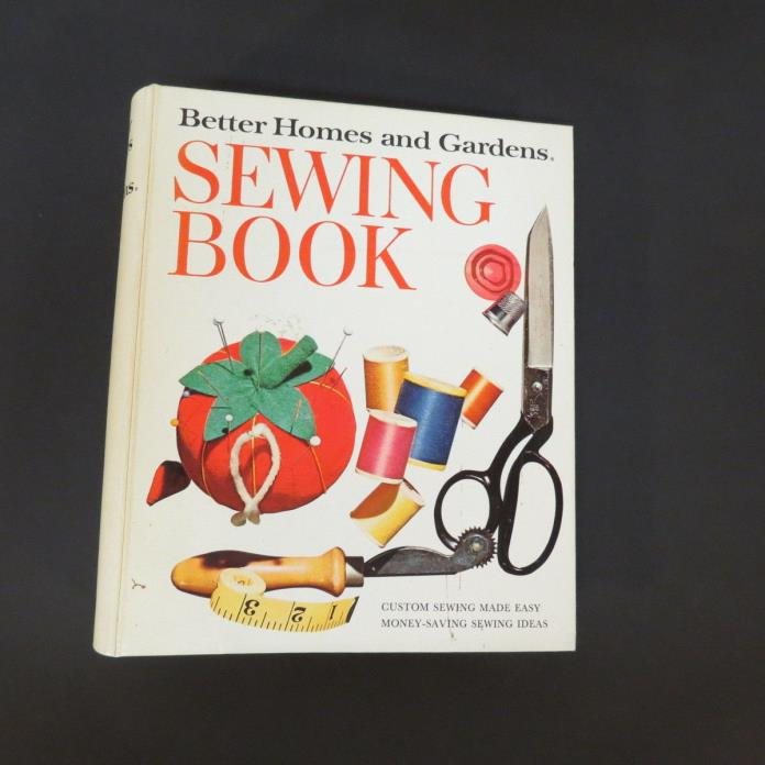 Better Homes and Gardens Vintage Sewing Book Loose Leaf 1972