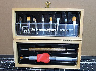 Artist/Makeup brush set,8 brushes easy to hold handle, for grip impaired