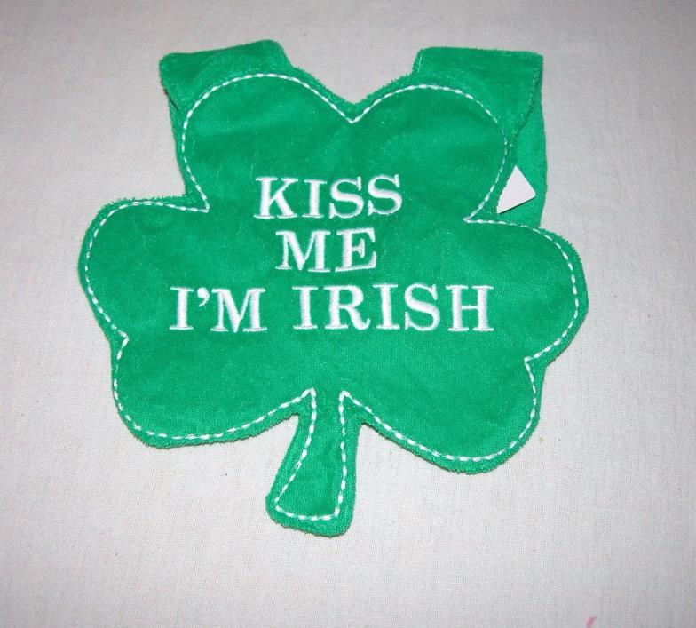 """Carter's Green """"Kiss Me I'm Irish"""" Bib New/One Size Fits All"""