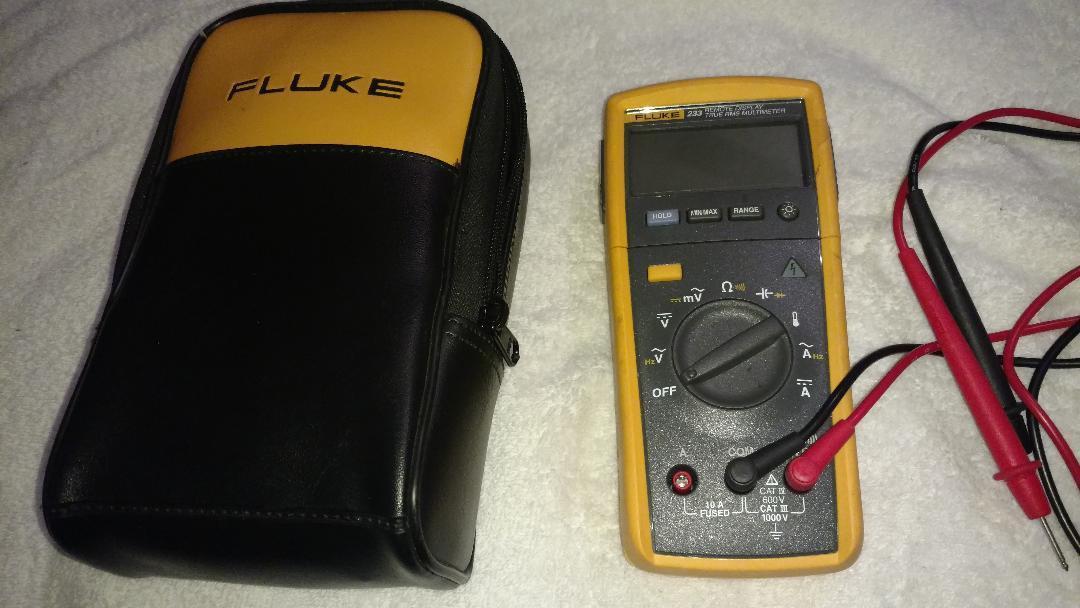Fluke 233 True-RMS Digital Multimeter