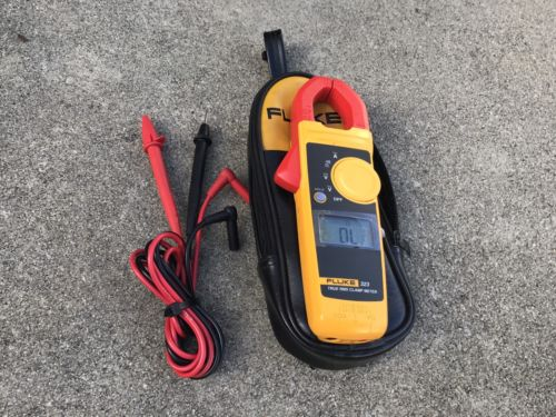 FLUKE Multimeter 323 CLAMP METER WITH CASE AND LEADS