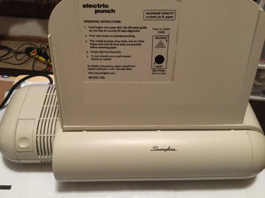 Swingline Model 525 20-Sheet Capacity 3-Hole Electric Paper Punch