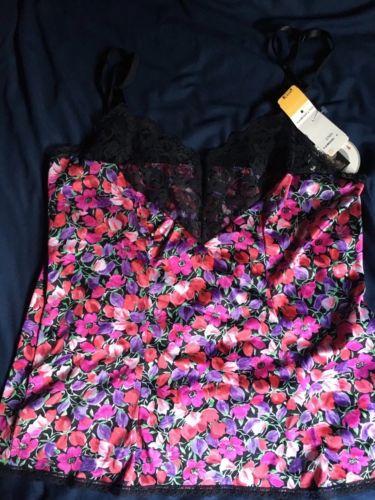 Vasarette Camisole Size M, Floral/lace, NWT With Free Bonus Panty
