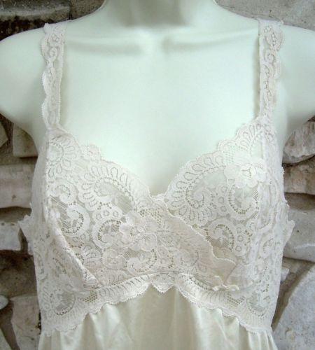 Vintage Olga Full Slip 1390F Size 34 Ivory Wide Lace Nylon Spandex