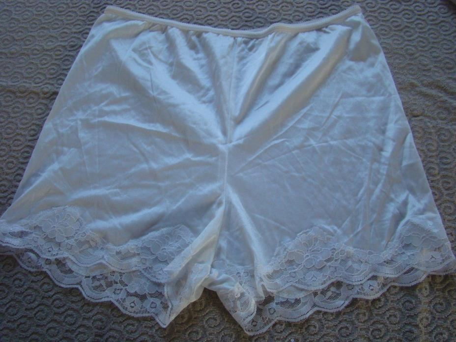 NWTT Vintage NANCY KING White Satin Nylon Lace Sleepwear Panty Anti-Cling Sz S