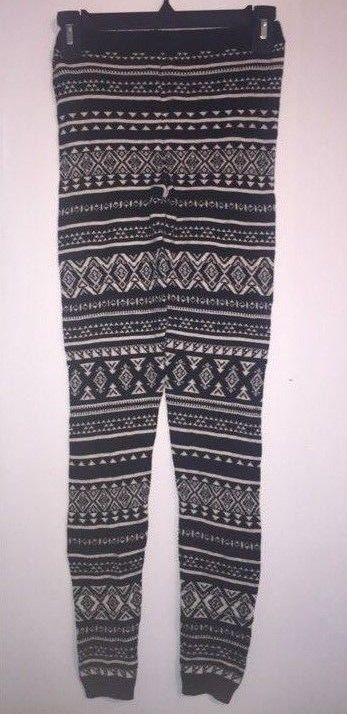 Womens Mossimo Winter Sweater Leggings Black/White Print Size XS -NEW