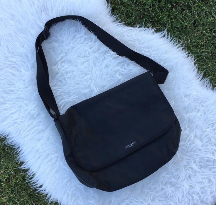 Kate Spade New York Women's Nylon Messenger Black Crossbody Bag