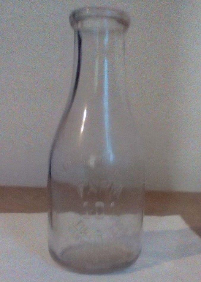 Vintage 101 Farm Dairies Cleveland,Ohio Milk Bottle Clear Quart.