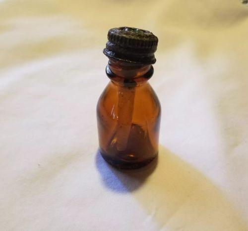 Vintage Empty Amber Glass Bottle W/ Green Dropper Small Vicks Va - Trol - Nol