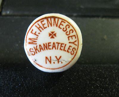 PRE-PRO M.F. HENNESSEY BEER - SODA - WHISKEY PORCELAIN BOTTLE CAP SKANEATELLS NY