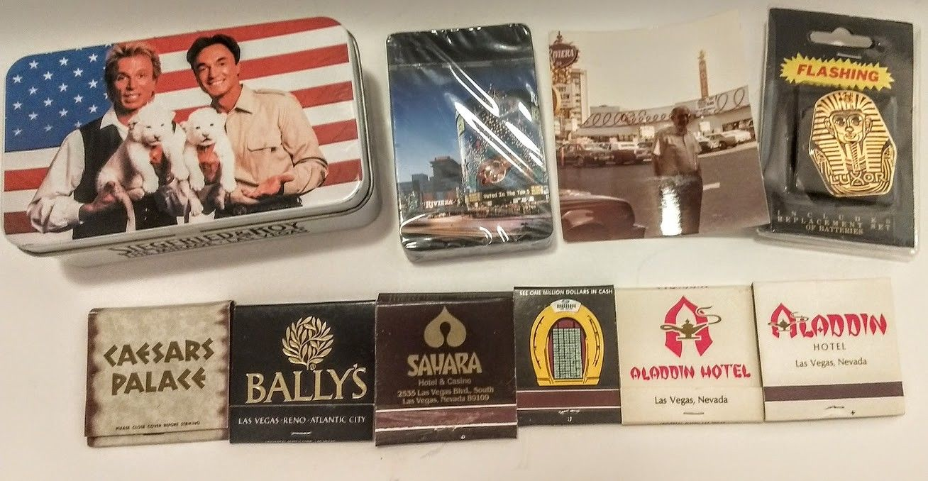 LOT VINTAGE Las Vegas Collectibles Casino Matches,Rveriai Cards,Siegfried & Roy!