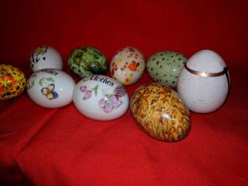 NINE (9)  VINTAGE HAND PAINTED / DECORATED GLASS & CERAMIC EASTER EGG.