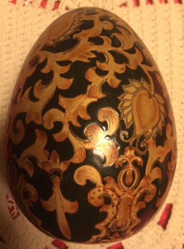 Black/Gold Oriental Style Ceramic Egg without stand.......storage B-104