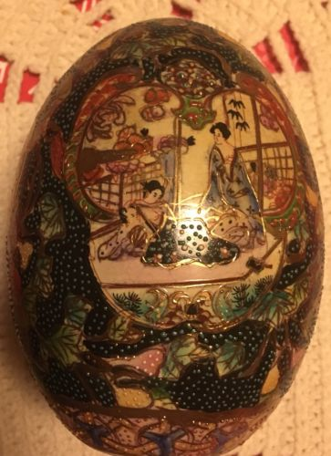 Nice Colorful Oriental Ceramic Egg with stand.......storage B-104