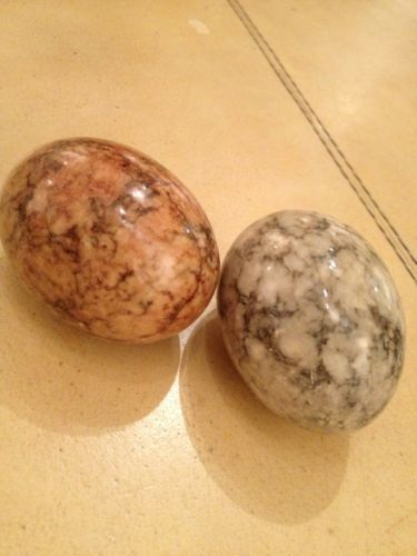 TWO ALABASTER EGGS - , Stone / marble decorative eggs