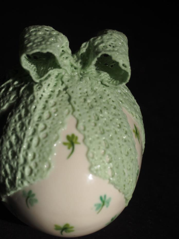 IRISH DRESDEN Hand Painted Green Shamrock Clover Bow Ribbon Lace Porcelain Egg