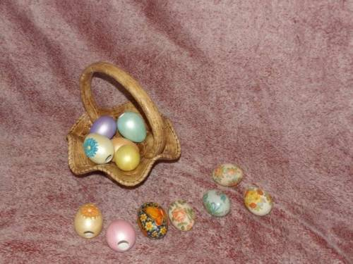 GORGEOUS Ceramic Easter Basket with colored EGGS Awesome SET
