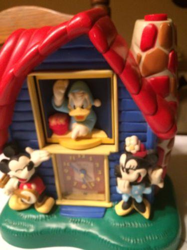 Vintage Walt Disney Mickey Minnie Mouse Donald Duck Seiko Alarm Clock