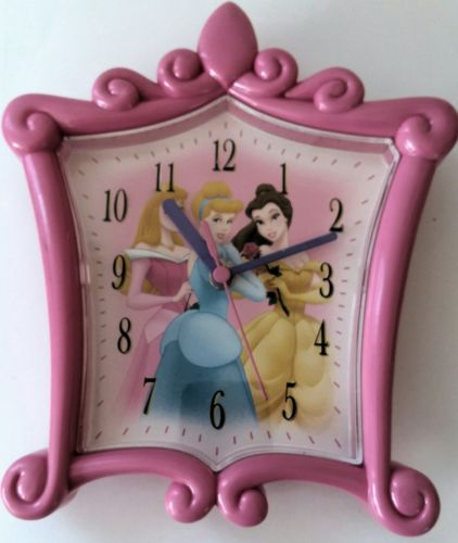 DISNEY PINK PLASTIC PRINCESS WALL CLOCK SNOW WHITE SLEEPING BEAUTY CINDERELLA LN