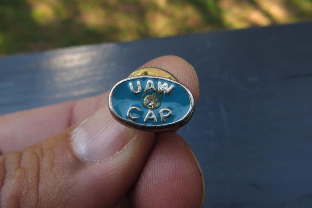 U.A.W.UNITED AUTO WORKERS CAP  LAPEL SOUVENIR AWARD PIN