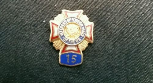 VETERANS OF FOREIGN WARS 15 YEARS LAPEL PIN BADGE TIE TACK VINTAGE