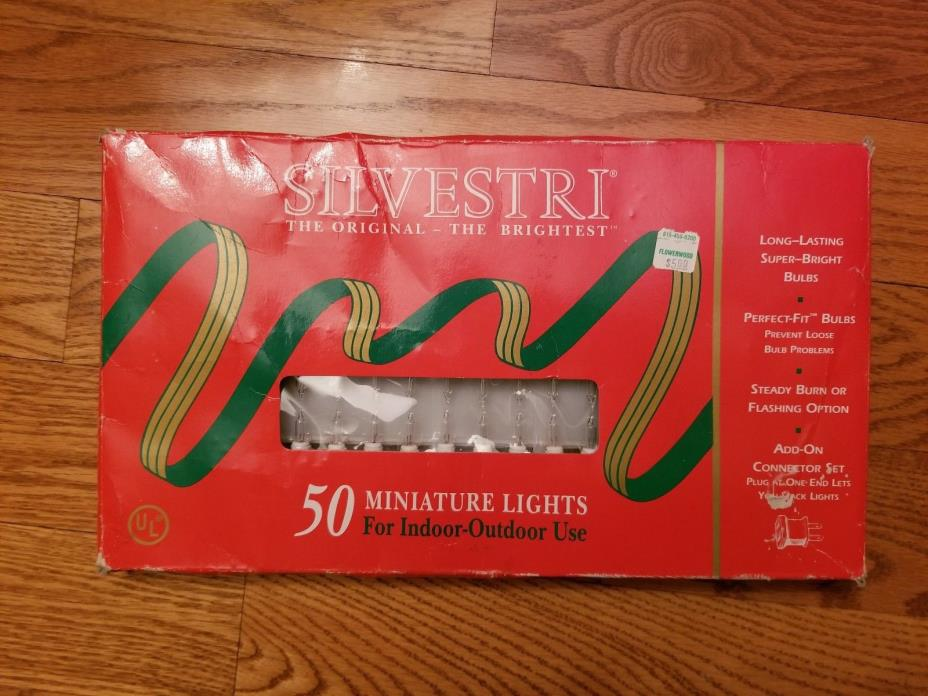 NOS Vintage Silvestri Brightest Miniature 50 Light Indoor/Outdoor String...Clear