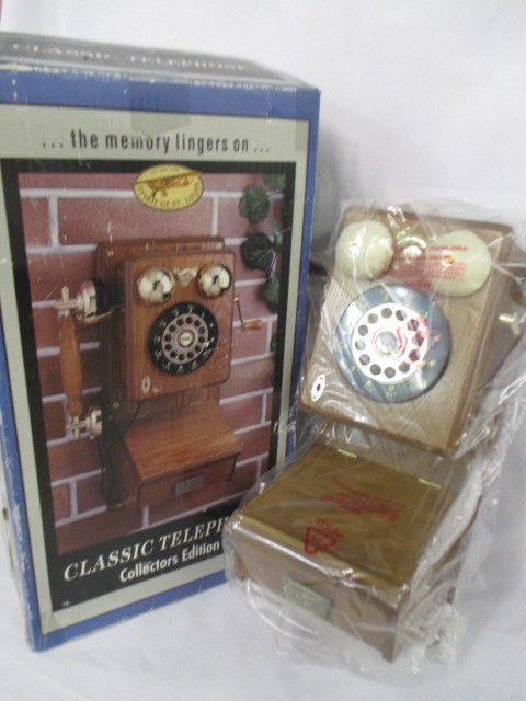 Oak Wood Wall Phone Spirit of St Louis Vintage Wall Phone, New in Box (CI)