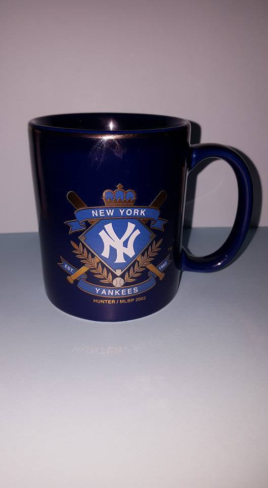 New York Yankee Gold Trim Mug;Hunter MLBP 2002; Linyi China