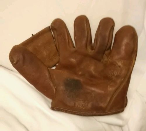 Antique Baseball glove Nellie Fox By JC Higgins 1759