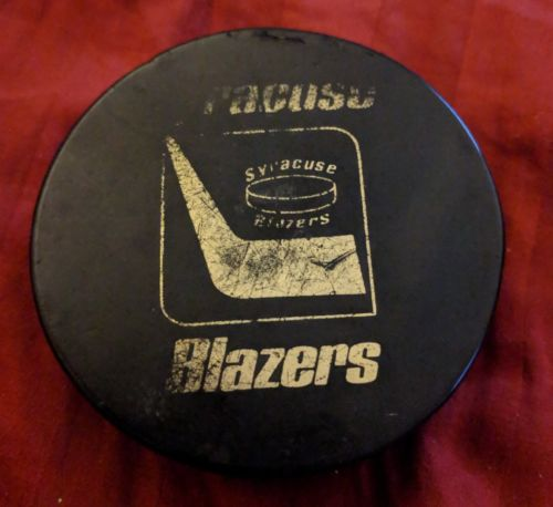 1974 SYRACUSE BLAZERS PUCK NAHL PLAYOFFS NORTH AMERICAN HOCKEY LEAGUE EHL RARE