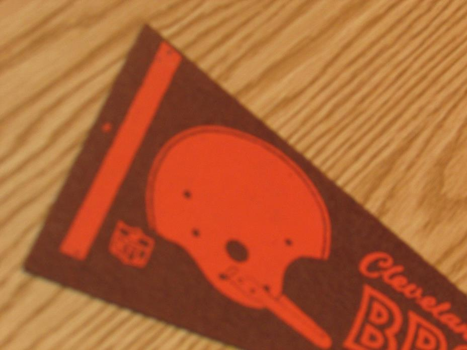 Vintage NFL Cleveland Browns 1970's Mini Pennant, 4x9 Inches, Nice!! Stiff!!