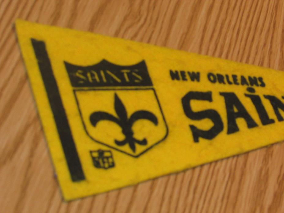 Vintage NFL New Orleans Saints 1970's Mini Pennant, 4x9 Inches, Nice!! Stiff!!