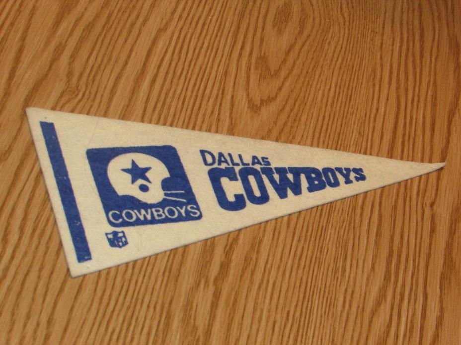 Vintage NFL Dallas Cowboys 1970's Mini Pennant, 4x9 Inches, Nice!! Stiff!!