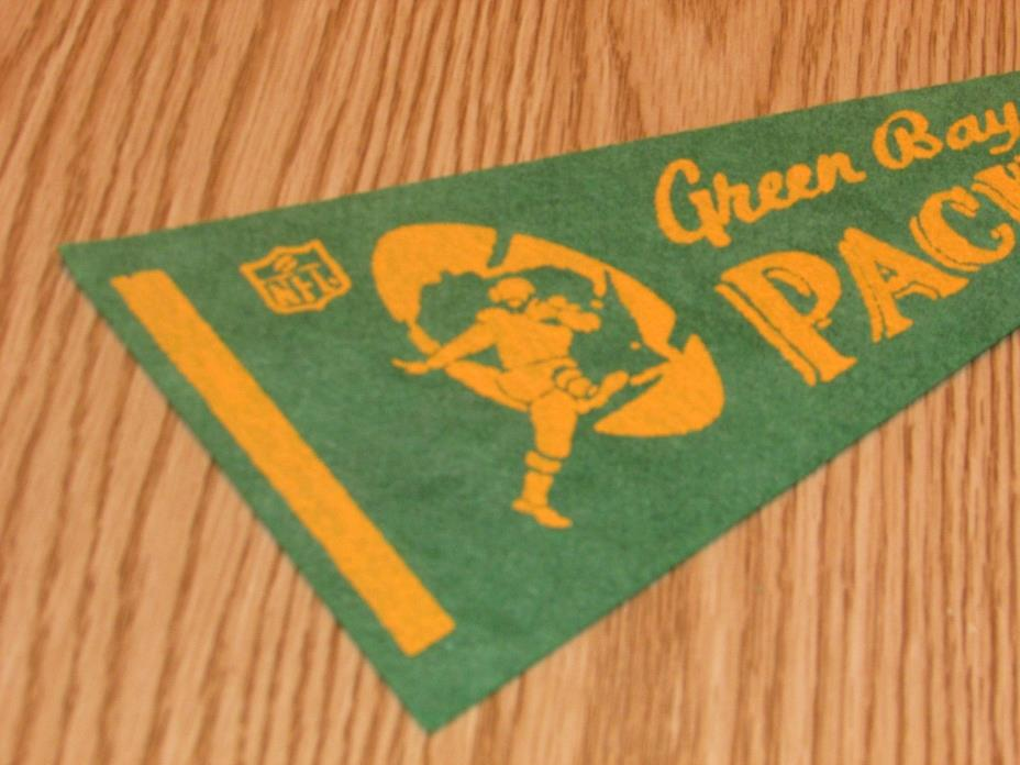 Vintage NFL Green Bay Packers 1970's Mini Pennant, 4x9 Inches, Nice!! Stiff!!