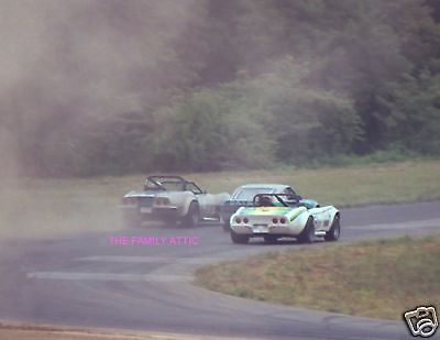 CONVERTIBLE CORVETTES DATSUN RACE CAR IN THE TURN RACING PHOTO ROAD COURSE 1980