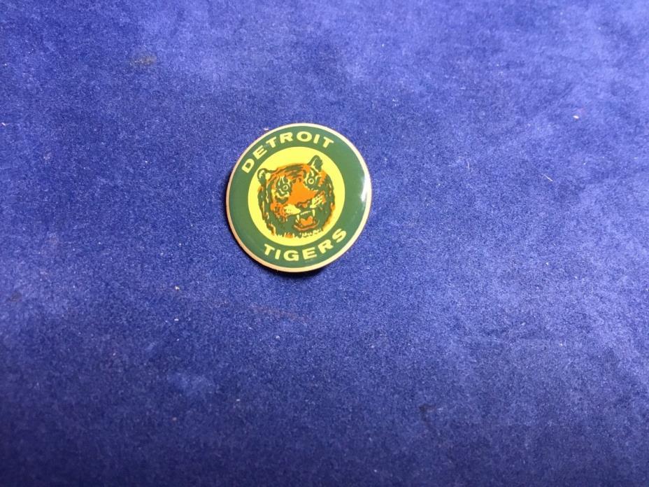Detriot Tigers Baseball Pin 3/4 Inch Circle MLB