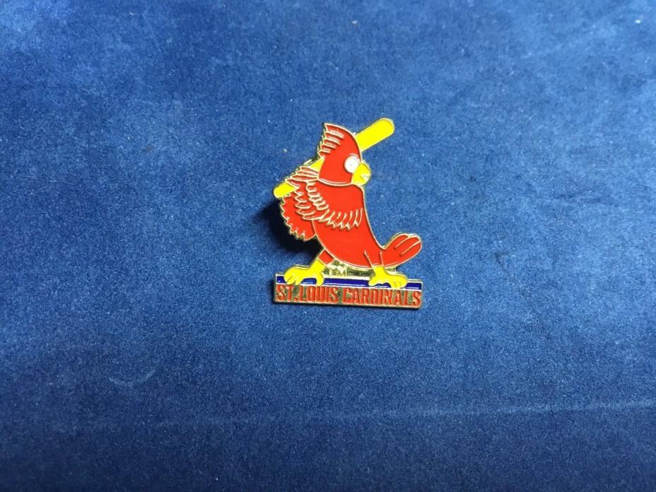 St Louis Cardinals  Baseball Pin 3/4 Inch Circle MLB