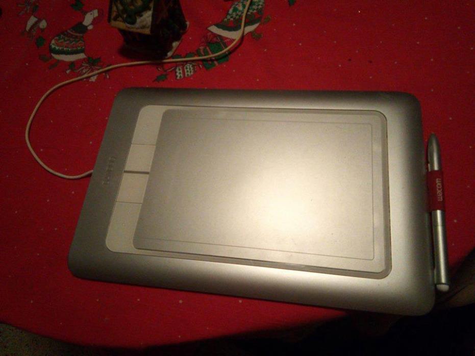 Wacom Bamboo Fun cth-661 Drawing Tablet  White