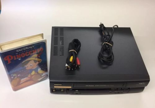 Sanyo VHR-5441 VCR VHS Video 4 HEAD Digital Auto Tracking Player/Recorder, WORKS