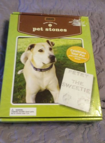 New Magnetic Poetry Make Your Own  Pet Stones Kit