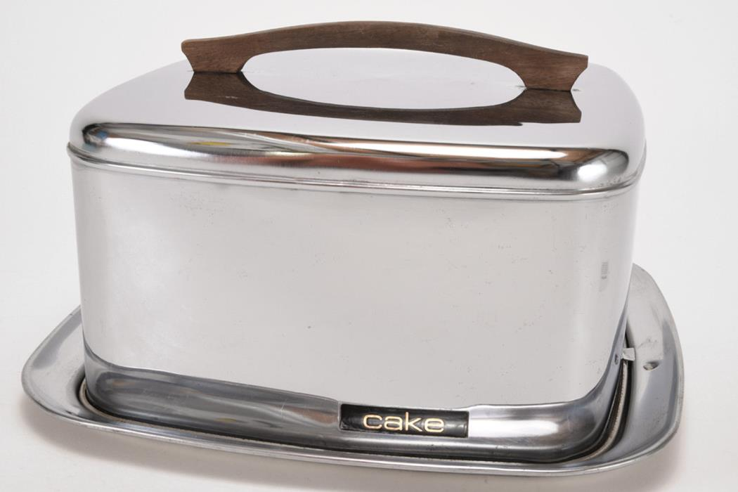 Vintage Chrome Lincoln BeautyWare Cake Carrier Locking Lid Mid-Century Wood