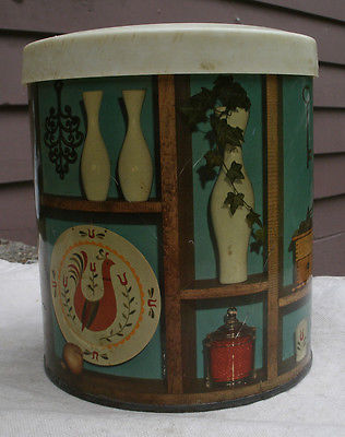 Vintage Metal Coffee Canister,Kitchen Items Design theme,1950/60s,plastic lid