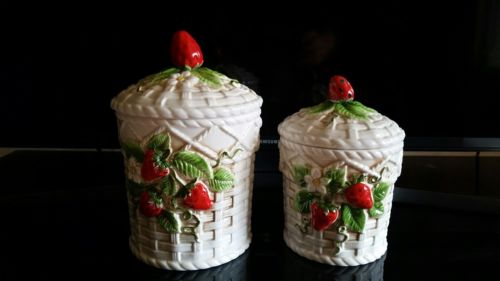 VINTAGE STRAWBERRY BASKETWEAVE CERAMIC COFFEE CANISTER & SUGAR SET OF 2