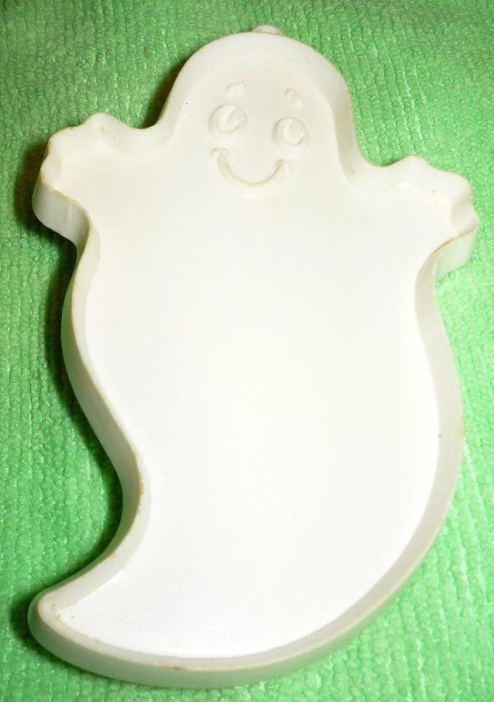 Hallmark Halloween Ghost Cookie Cutter White Hard Plastic