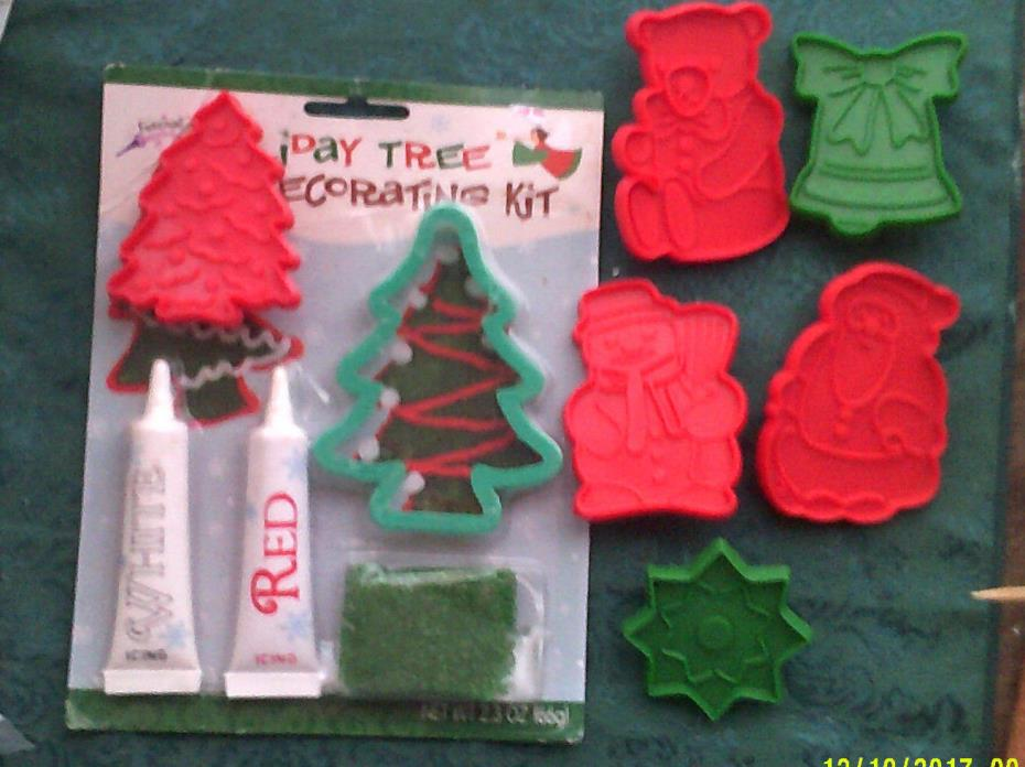 6 Plastic Christmas Cookie Cutters  Never Used  AND HOLIDAY TREE DECORATING KIT