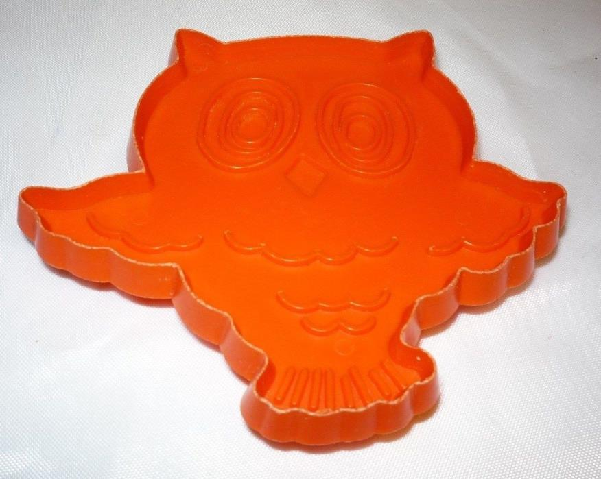 Hallmark Halloween Owl Animal Cookie Cutter Orange Hard Plastic